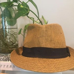 Accessories - Versatile Straw Hat with Black Band